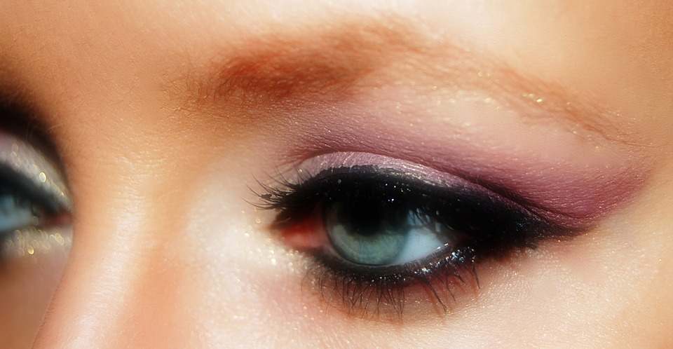 The Foolproof Way To Create A Perfect Smokey Eye All By Yourself